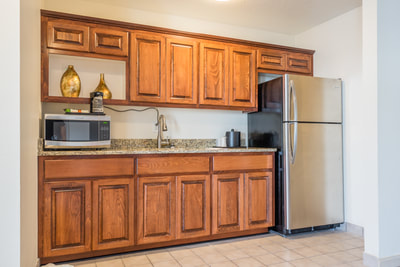 Cottonwood Suites Savannah kitchen